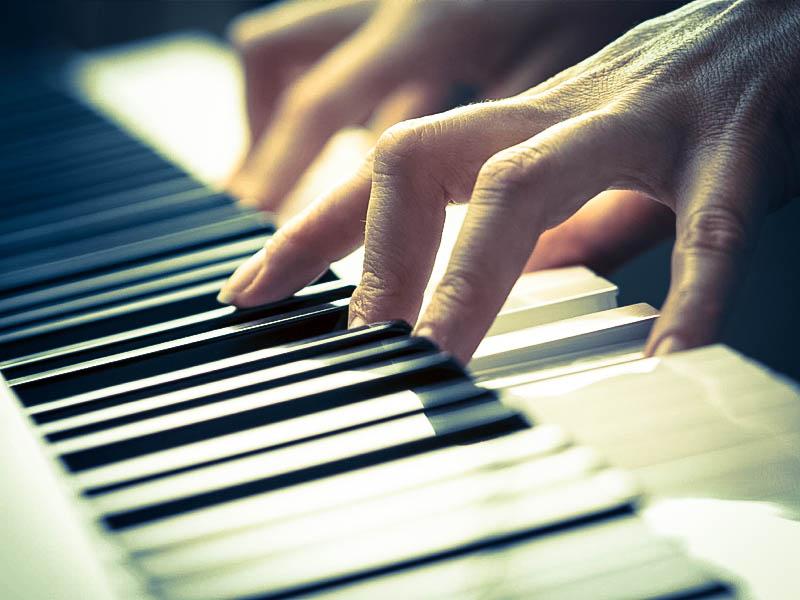 Keyboardunterricht in Grünstadt / Pfalz Songwriting Unterricht Arrangementunterricht für motivierte Anfänger und Fortgeschrittene. Neuleinigen, Kirchheim, Bissersheim, Deidesheim, Dackenheim, Dirmstein, Bad Duerkheim, Musikunterricht fuer Erwachsene und Kinder Pop Rock Sould Rap HipHop Electro Klassik Flamenco Brazilian